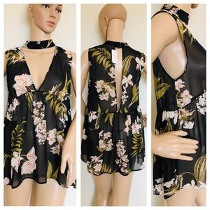 Audrey black floral sheer key hole top NWT small